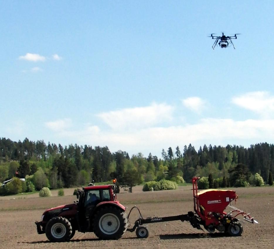 Dronet auttavat maanviljelijää